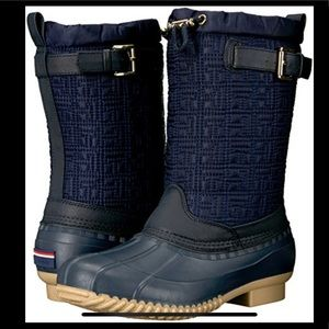 Tommy Hilfiger snow boots
